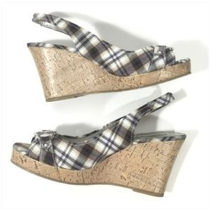 American Eagle Outfitters Shoes - America Eagle Plaid Wedge Stretch Shoes